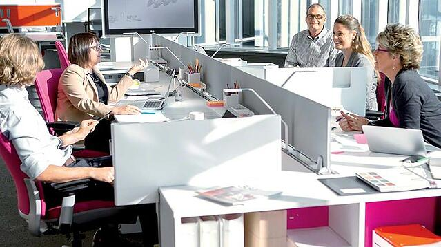 Steelcase-benching-belonging-office-wellbeing.jpg